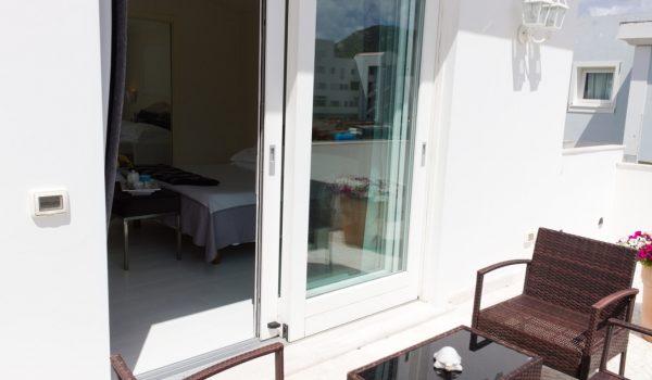 luxury-suite-veranda