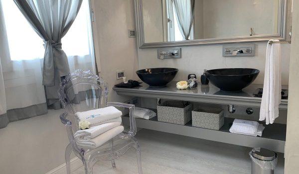 wh-suite-olbia-bagno-privato (1)