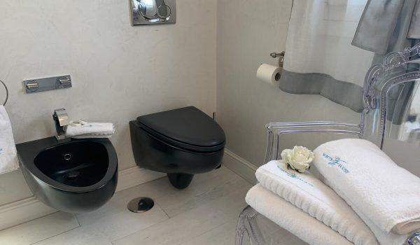 wh-suite-olbia-bagno-privato (2)